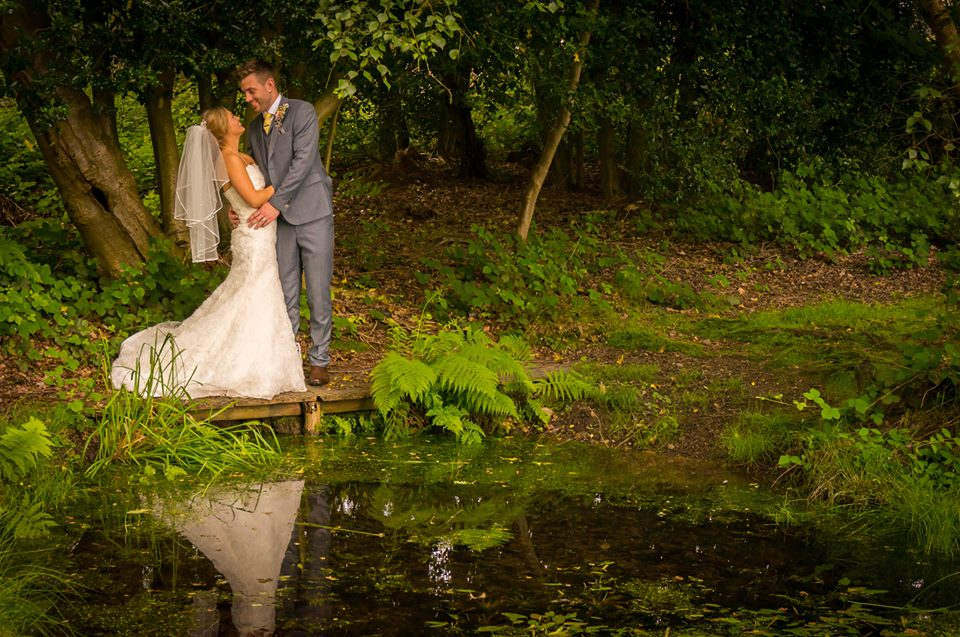 amy ben wyre forest wedding kidderminster bewdley